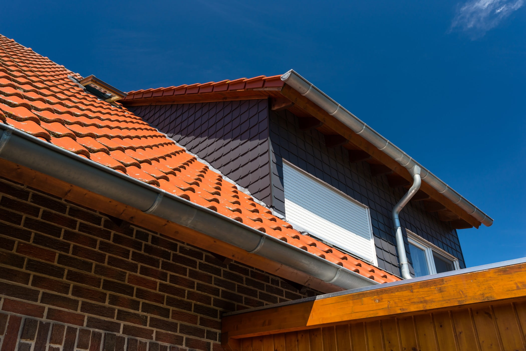 Why Choose Polysulphide Products As Your Roof Water Sealant